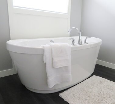 bathtub-2485957__3401