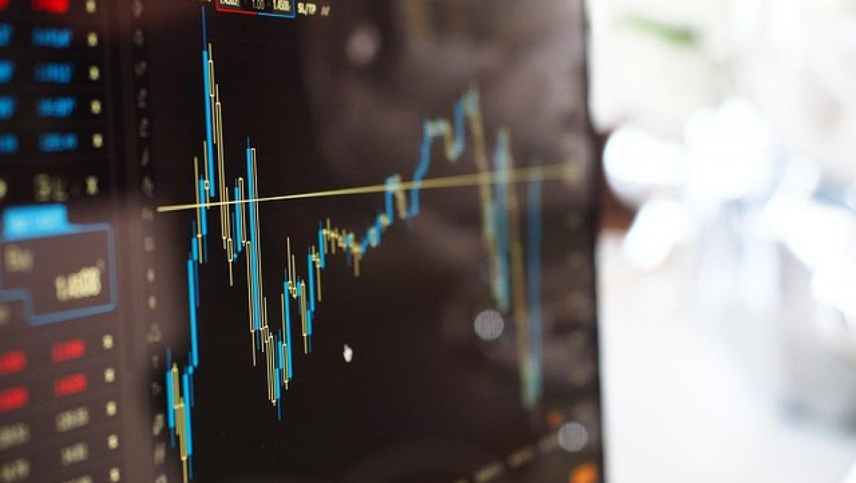 מסחר במניות מול מסחר על מניות – מה ההבדל?