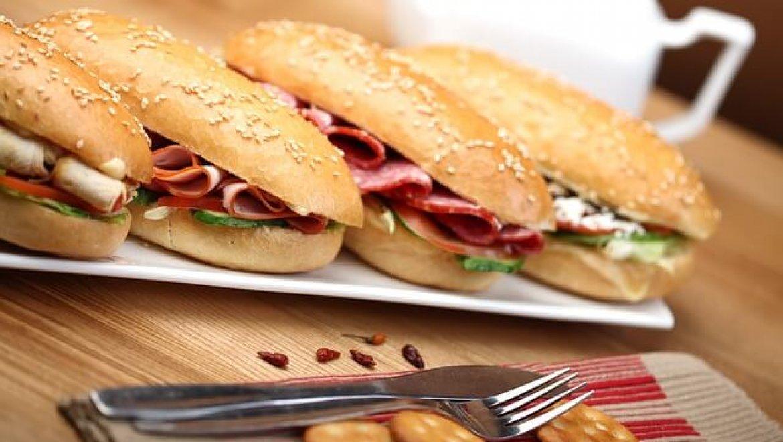 מגשי אירוח בשרי כשר למהדרין לכנסים ואירועים