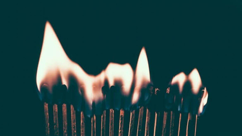 איך בוחרים חברה להתקנת מערכת גילוי אש ועשן