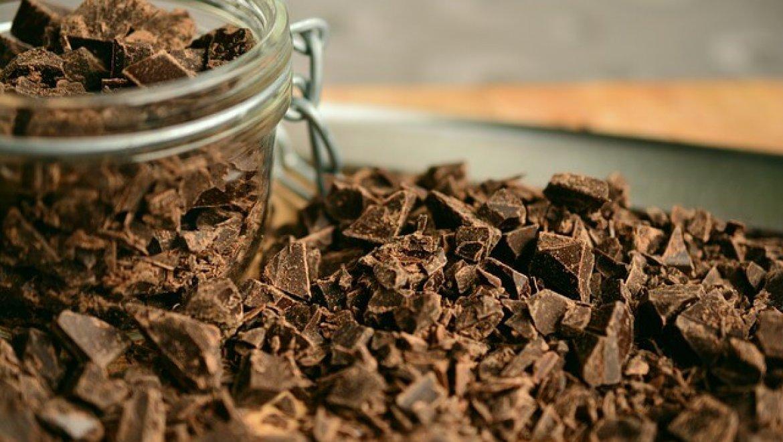 סדנת שוקולד לילדים בבית – פעילות מקורית ומתוקה