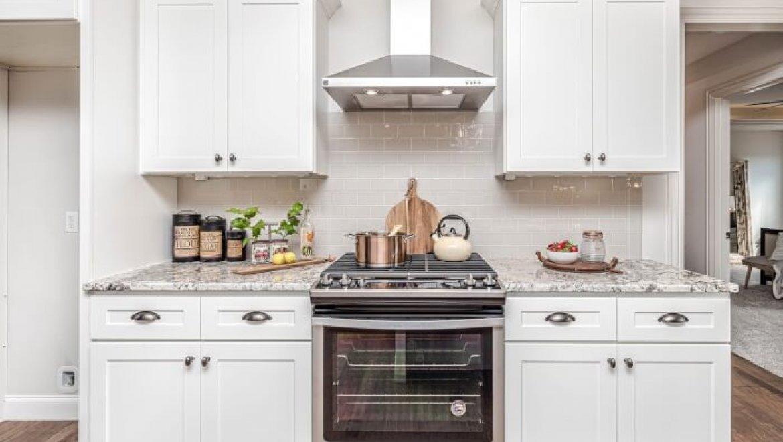 היתרון בבחירה בתנור משולב למטבח