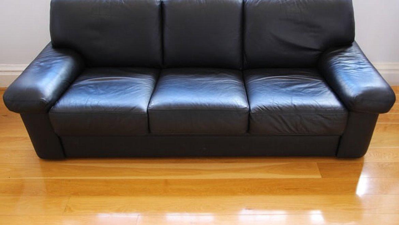 מה ההבדל בין מערכת ישיבה לסלון?