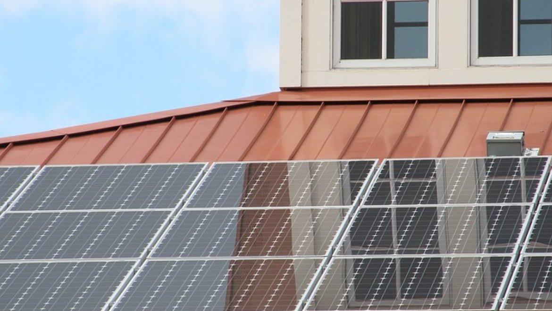 האם התקנת מערכת סולארית בבית זו בחירה נכונה?