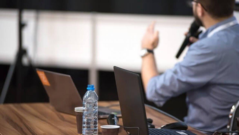 שאיפות גדולות: אימון עסקי להצלחה